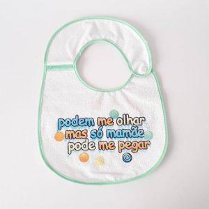 Babador Impermeável Estampado Frases com Botão no ombro – Ref. 135 D – Linha Bia Baby